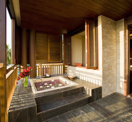 Spa cenvaree outdoor jacuzzi