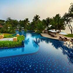 Moevenpick asara resort spa hu hin beachfront pool view